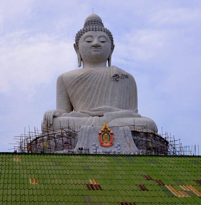 Photo of the giant Buddha in Koh Samui